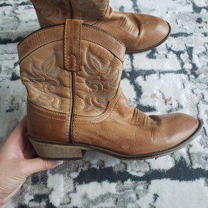 Dingo Ankle Boots Sz 8
